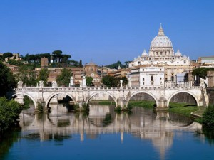 Tour_Vatican _Tiber River_Rome_Italy